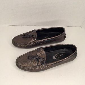 Tod's driving shoes. Bronze metallic leather.